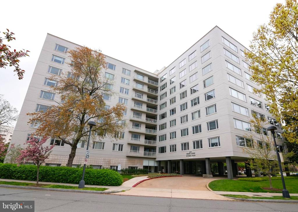 Welcome Home to Potomac Plaza! - 2475 VIRGINIA AVE NW #519, WASHINGTON