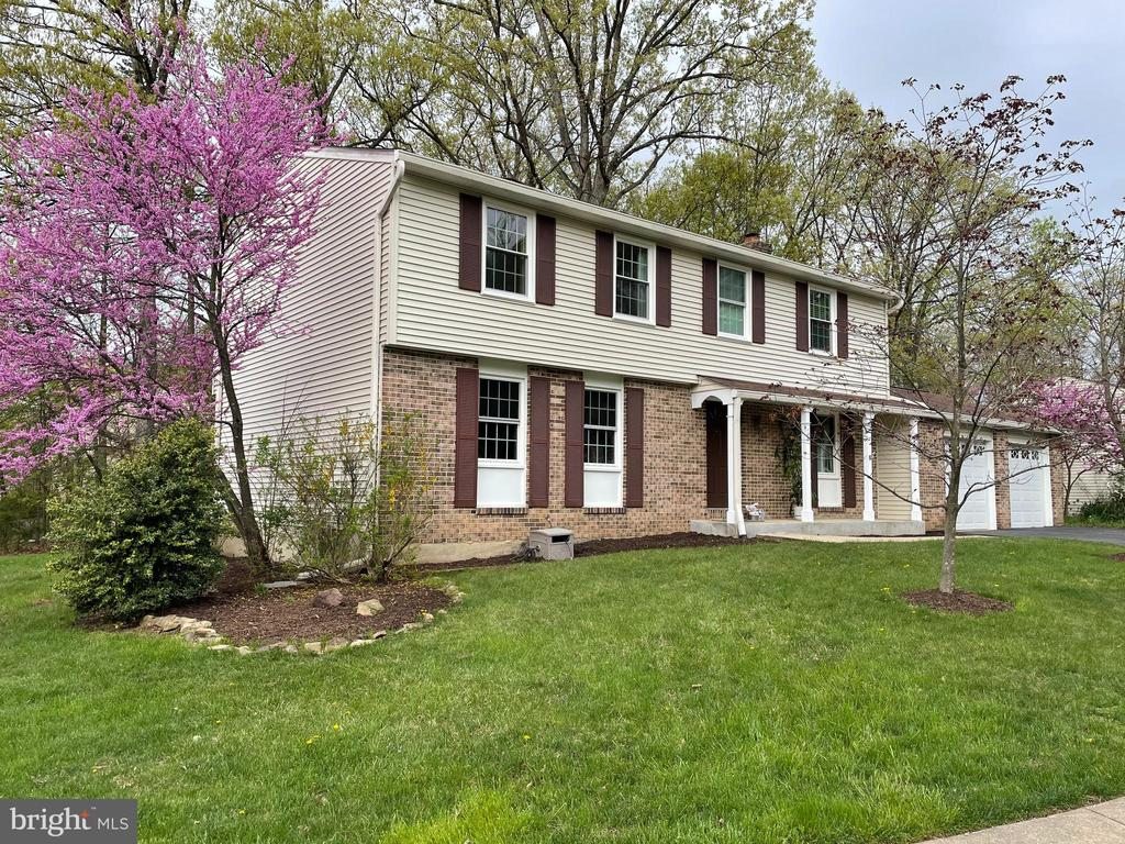 - 126 FOREST RIDGE DR, STERLING
