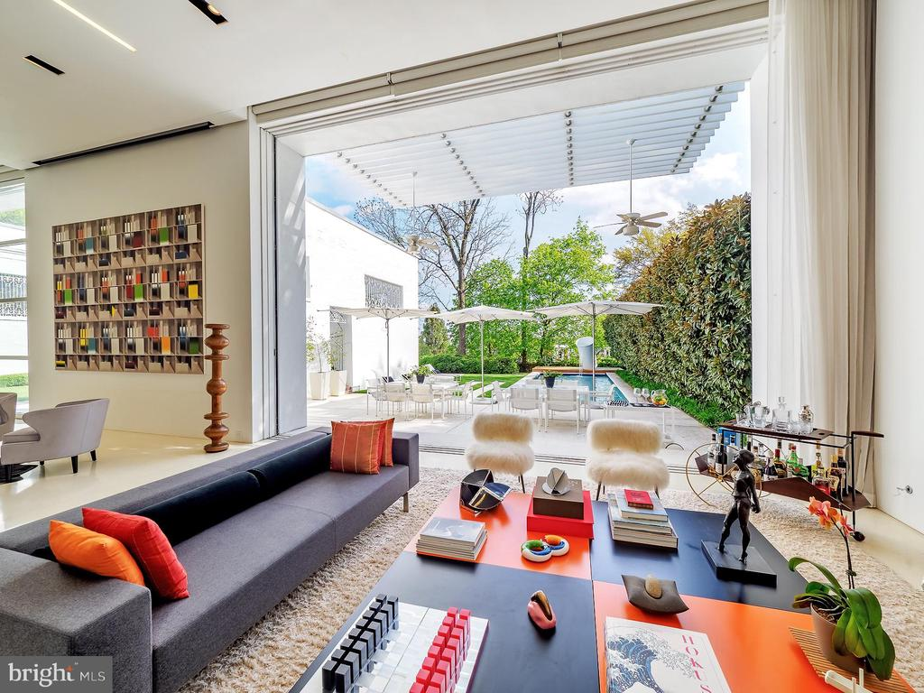 Expansive Living Room with Open Glass Door - 3304 R ST NW, WASHINGTON