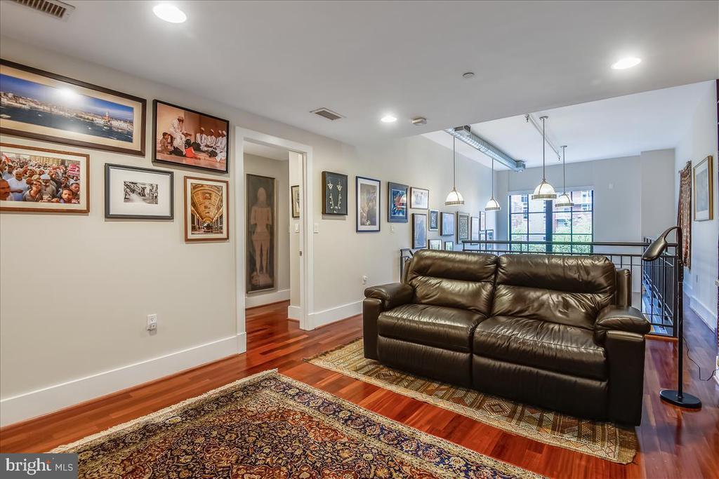 Main Level Living Area - 1615 N QUEEN ST #M204, ARLINGTON