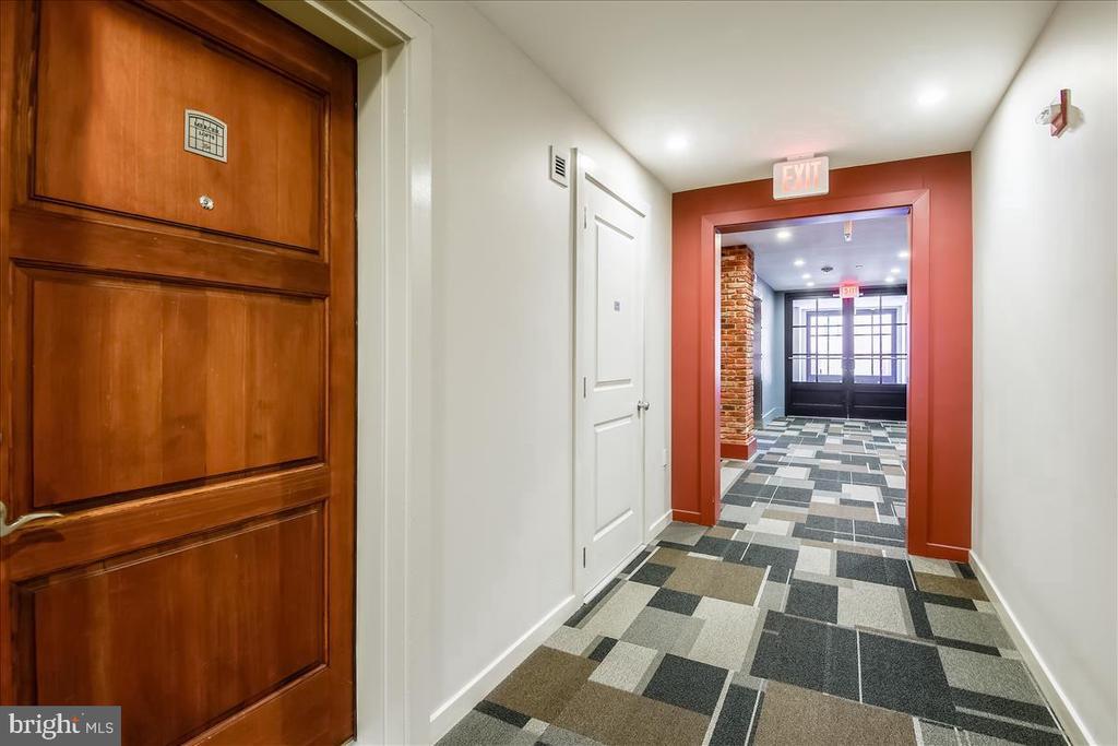 Entry Door - 1615 N QUEEN ST #M204, ARLINGTON