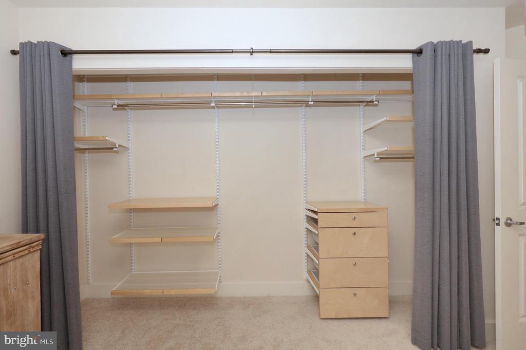 Custom Closet System in Owner's Bedroom Closet - 1200 N HARTFORD ST #502, ARLINGTON