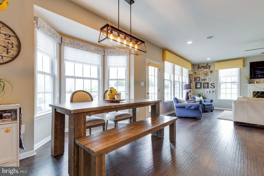 Breakfast Room with Bay Window - 24215 CRABTREE CT, ALDIE