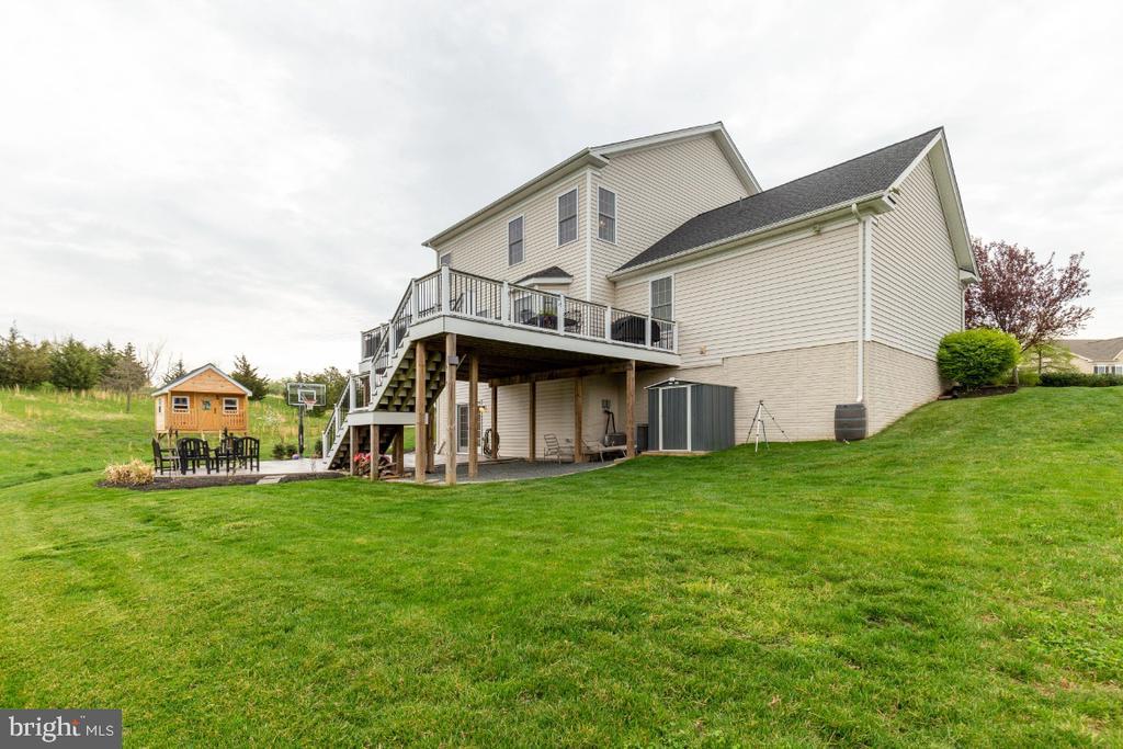 Side & Backyard - 24215 CRABTREE CT, ALDIE