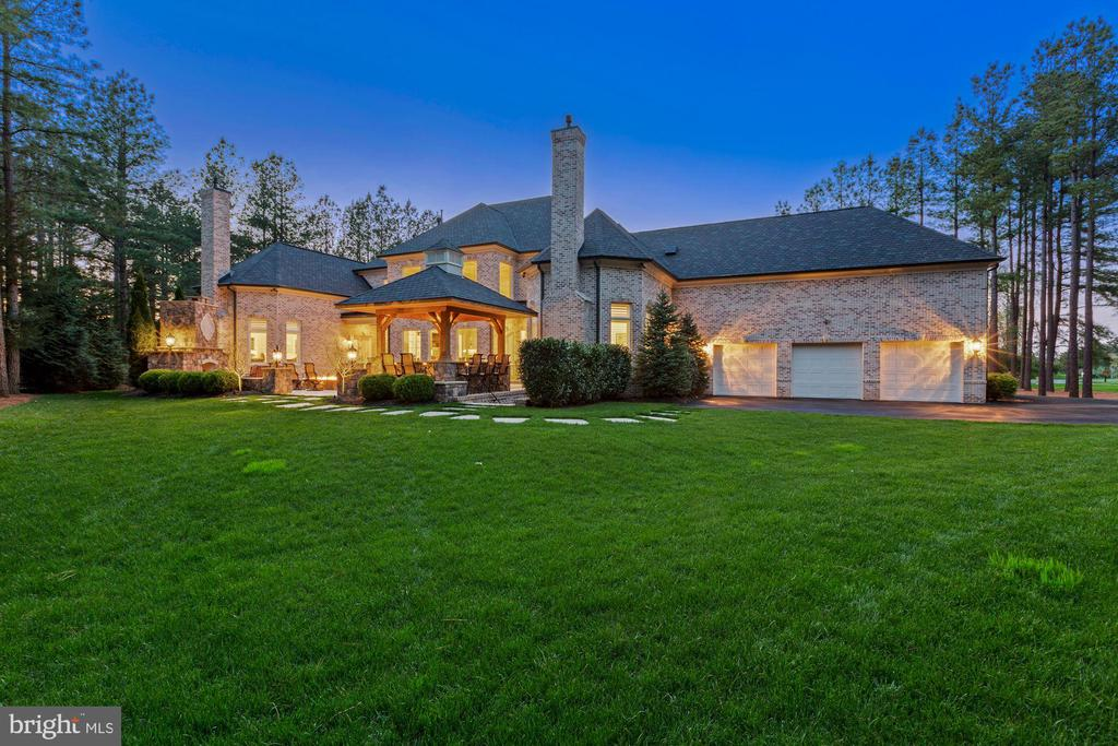 Professional Landscape Lighting on Rear of Home - 22608 CREIGHTON FARMS DR, LEESBURG