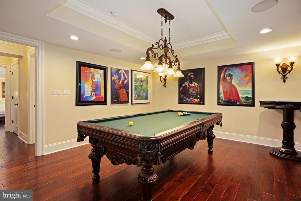 Game Room with 8' American Heritage Pool Table - 22608 CREIGHTON FARMS DR, LEESBURG