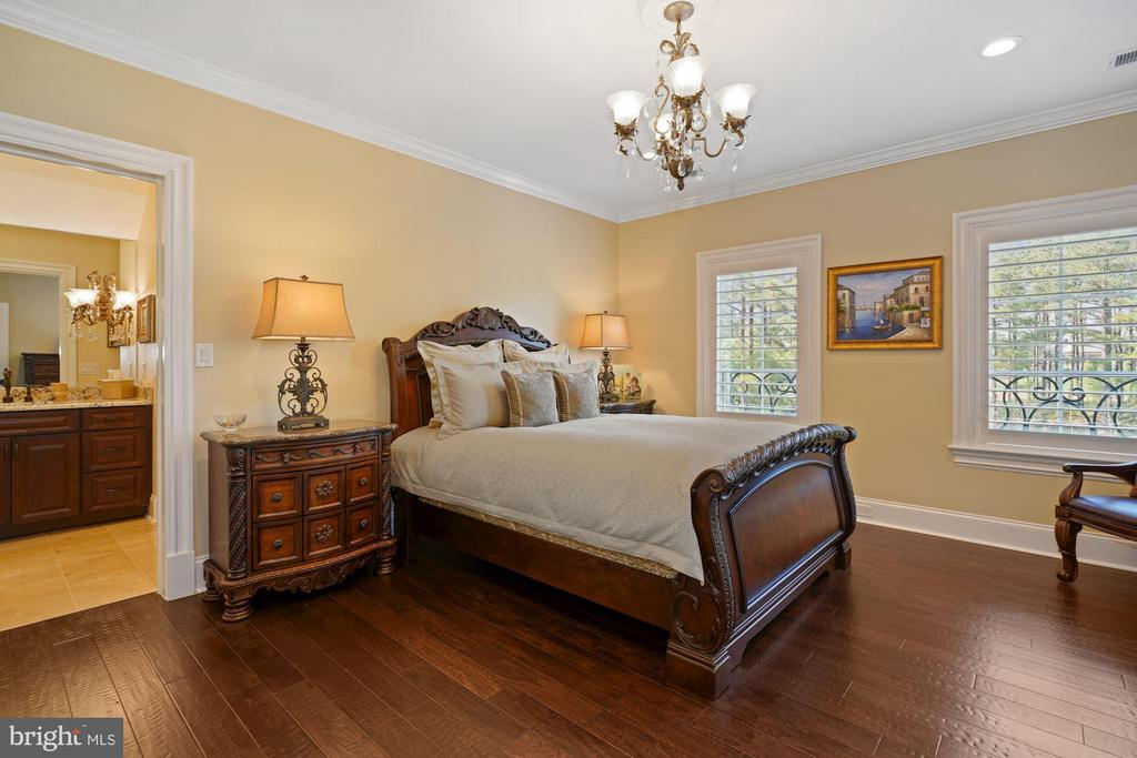 Guest Suite on the Upper Level - 22608 CREIGHTON FARMS DR, LEESBURG