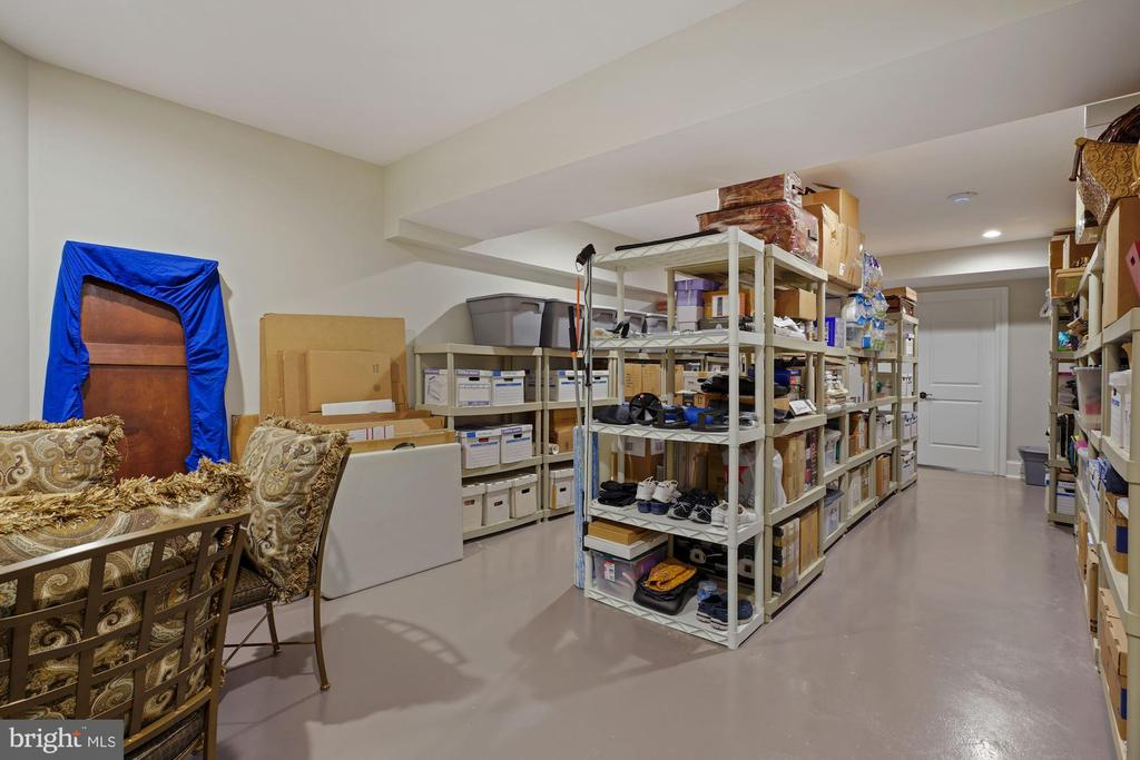 600+ square feet divided finished Storage Room - 22608 CREIGHTON FARMS DR, LEESBURG