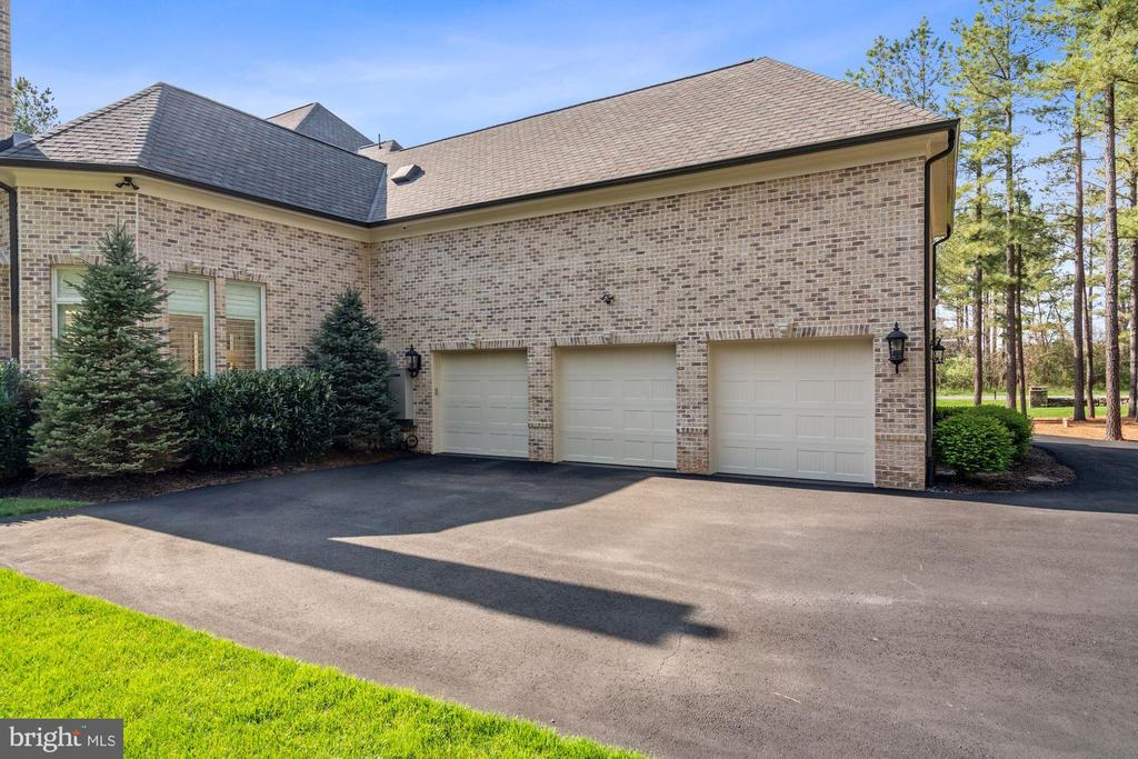 3 Bay, Fully Finished Dream Garage and Mud Room - 22608 CREIGHTON FARMS DR, LEESBURG