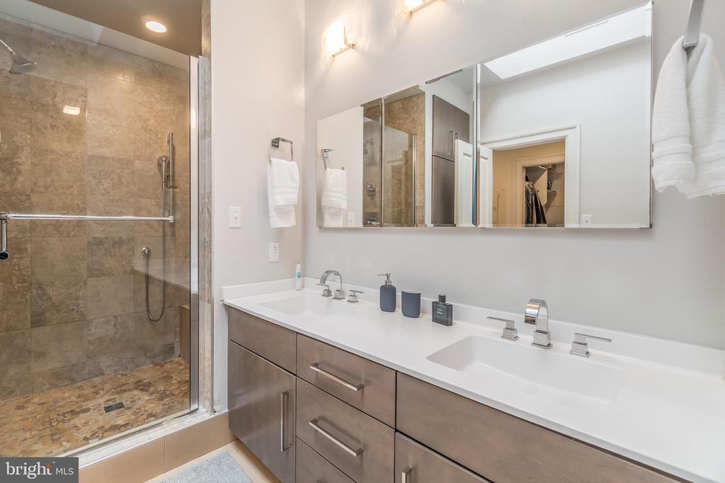 Primary suite in Unit 2 - 1723 19TH ST NW, WASHINGTON