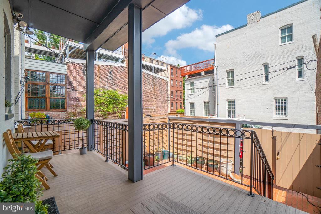 Terrace of Unit 1, overlooking patio - 1723 19TH ST NW, WASHINGTON