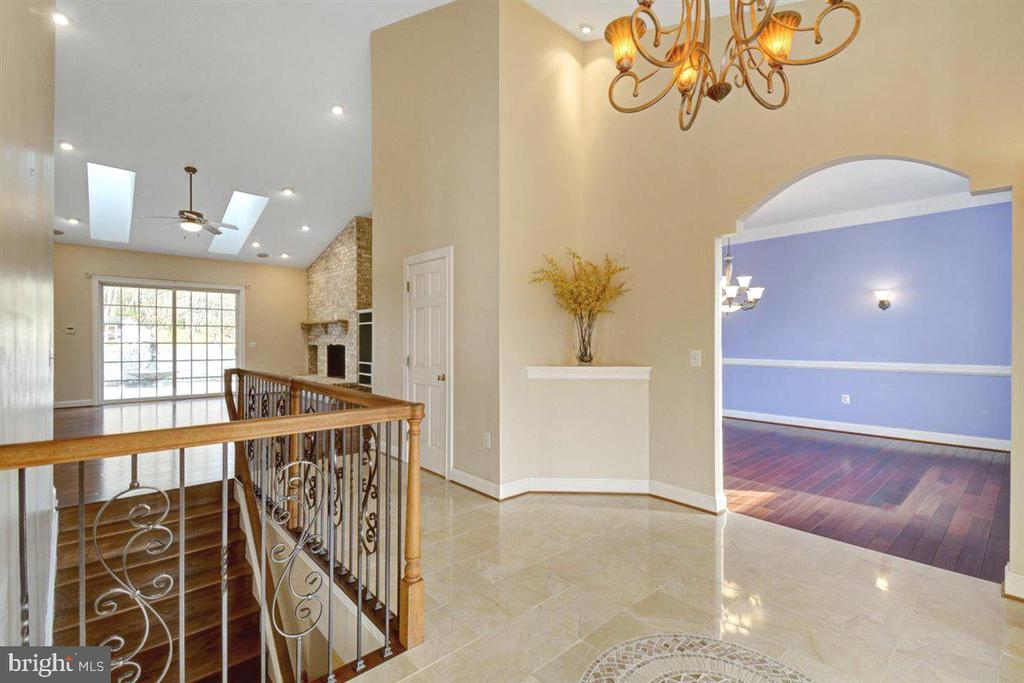 Soaring Ceilings and Natural Light Welcome you - 14515 SHIRLEY BOHN RD, MOUNT AIRY