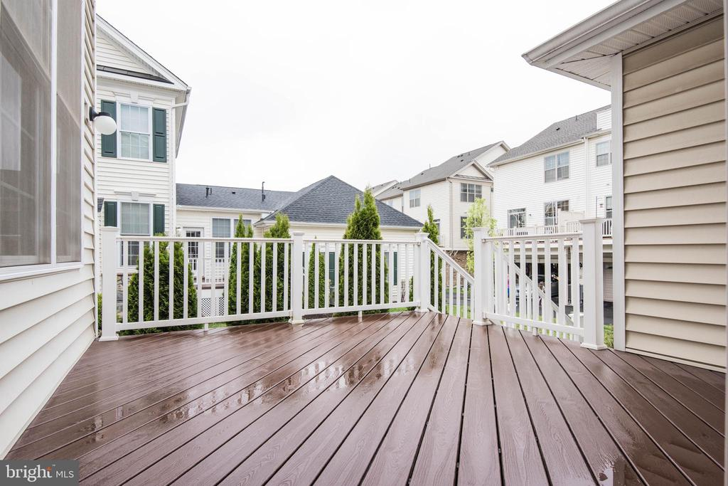 Deck1 - 22525 WILLINGTON SQ, ASHBURN
