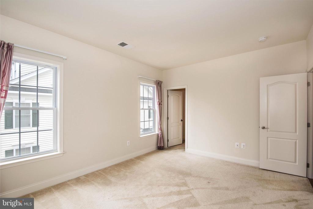 Bedroom 1-2 - 22525 WILLINGTON SQ, ASHBURN