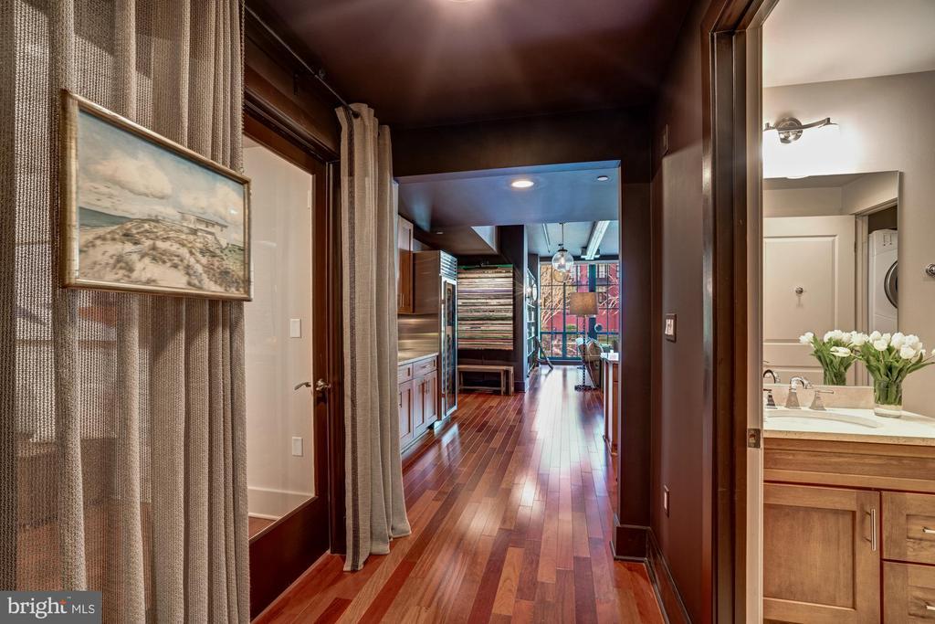 Entrance to Guest Quarters - 1615 N QUEEN ST #M303, ARLINGTON