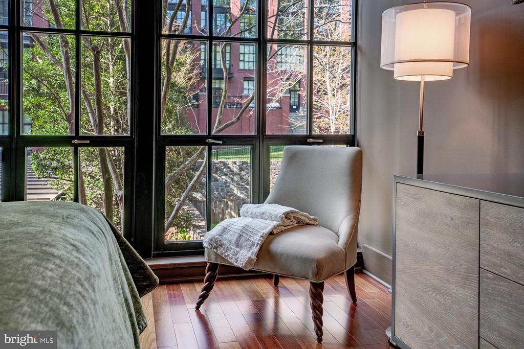 Beautiful Views from Bed - 1615 N QUEEN ST #M303, ARLINGTON