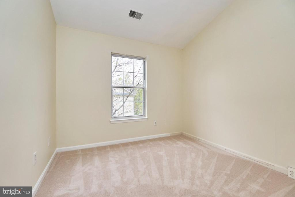 Secondary bedroom - 11436 ABNER AVE, FAIRFAX