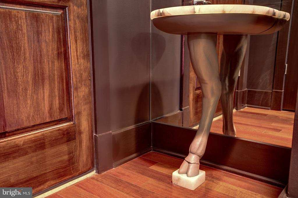 Foyer Hoof Table by Barry Dixon for Arteriors - 1615 N QUEEN ST #M303, ARLINGTON