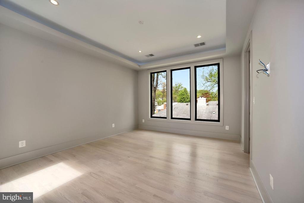3rd Bedroom - 5800 37TH ST N, ARLINGTON