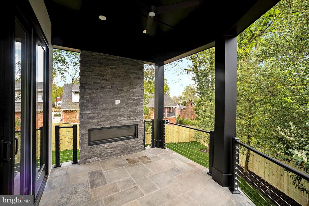 Main level side porch / with fireplace - 5800 37TH ST N, ARLINGTON
