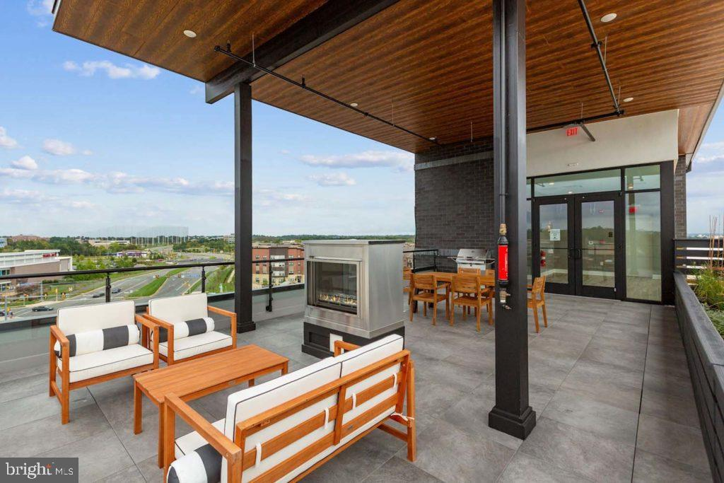 Inviting Rooftop Terrace for Residents - 44691 WELLFLEET DR #305, ASHBURN