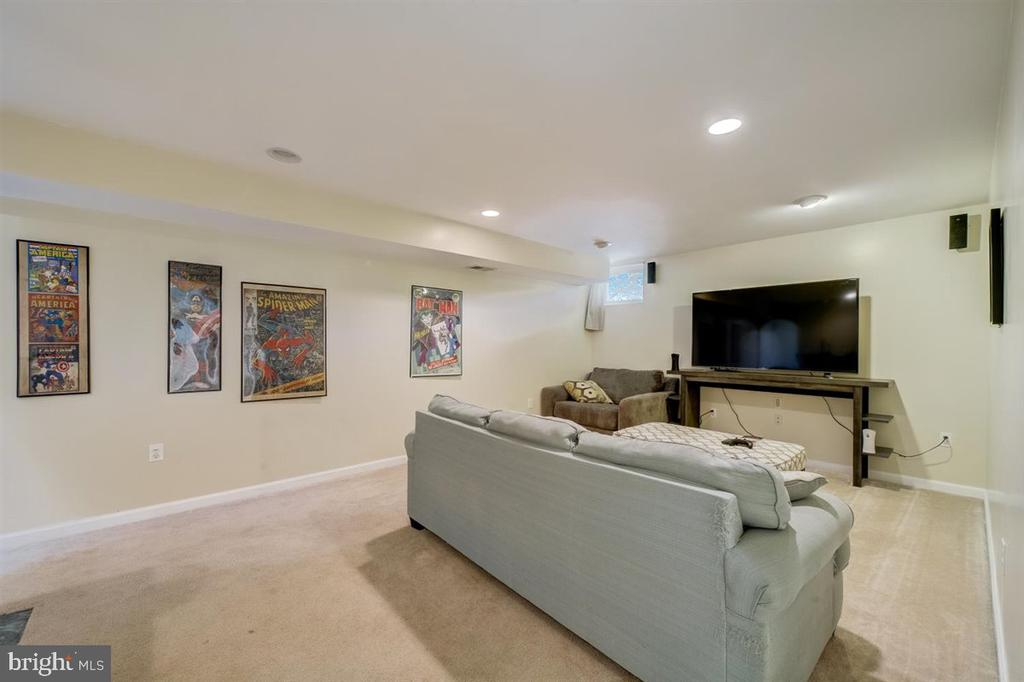 Home theater/family room in basement - 8900 MAGNOLIA RIDGE RD, FAIRFAX STATION