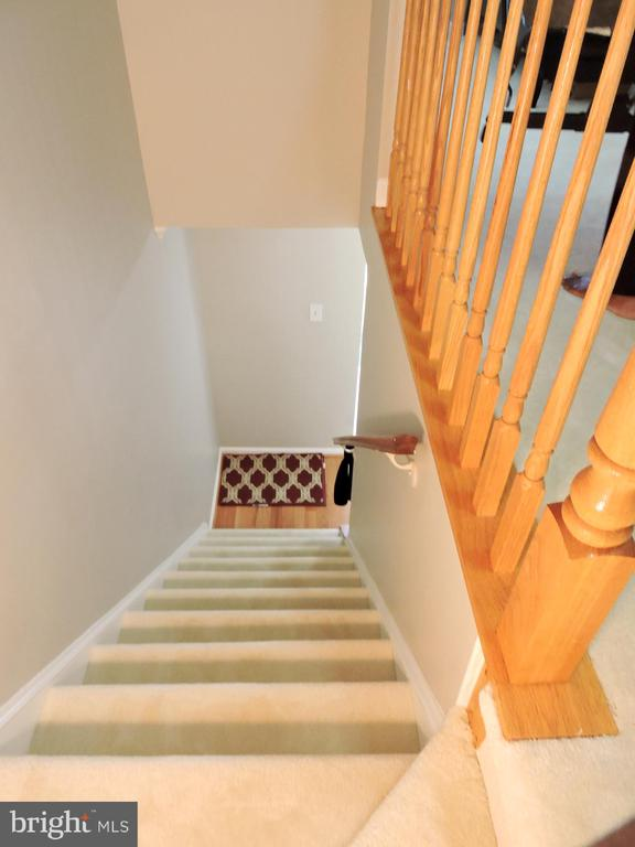 Stairs  upstairs - 6343 BUFFIE CT, BURKE
