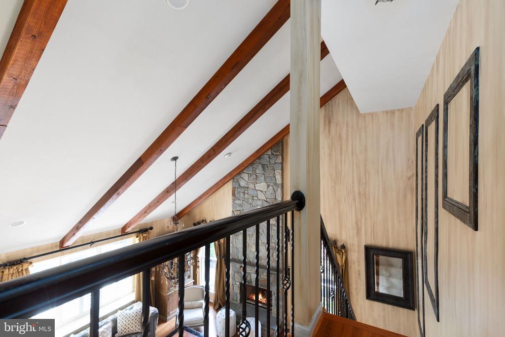 Upper Back Staircase - 20003 SHADOW CREEK CT, ASHBURN