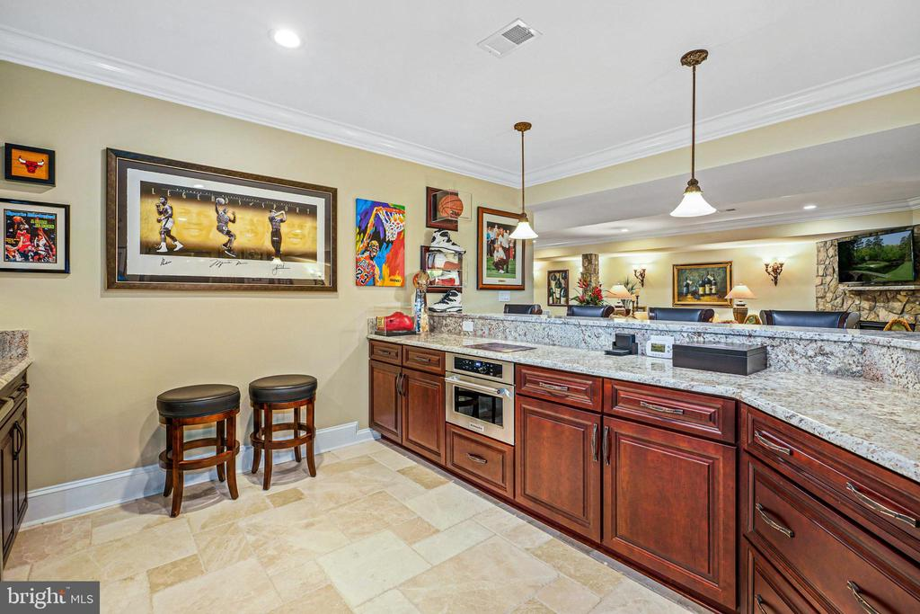 16' Handcrafted Bar in the Club Room - 22608 CREIGHTON FARMS DR, LEESBURG