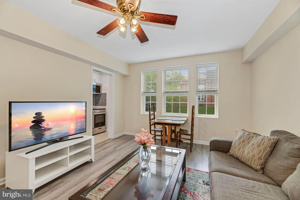 You'll want to work from home - 1816 QUEENS LN #4-222, ARLINGTON