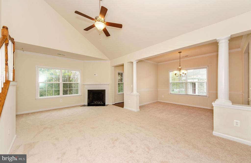 Vaulted ceiling - 63 HARPERS MILL WAY, LOVETTSVILLE