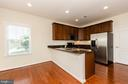 Bright kitchen with granite and stainless - 63 HARPERS MILL WAY, LOVETTSVILLE