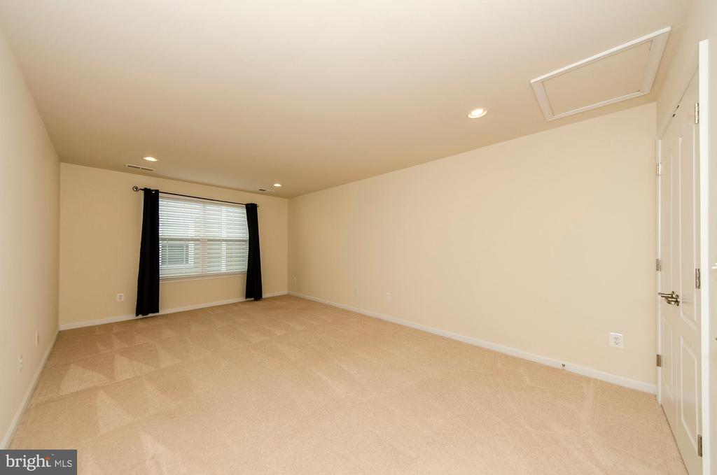 3rd bedroom on Upper level - 63 HARPERS MILL WAY, LOVETTSVILLE