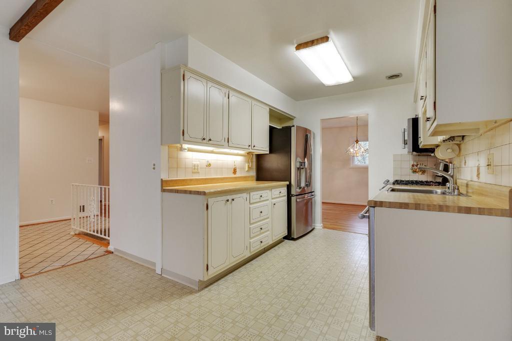 GE Profile refrigerator/freezer - 5041 KING RICHARD DR, ANNANDALE