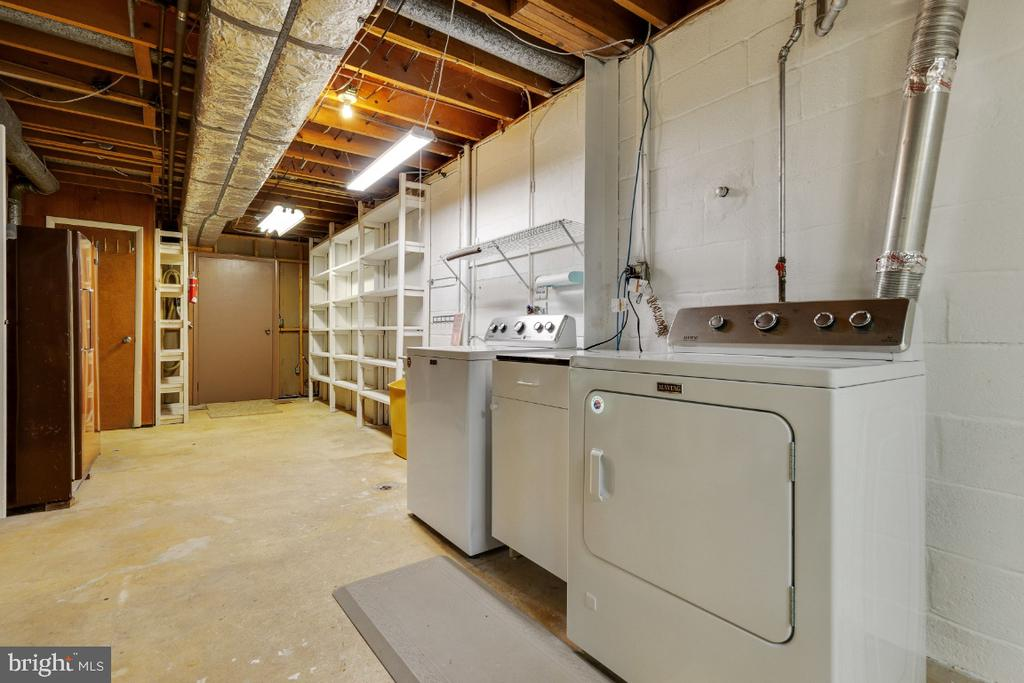 Tons of storage space - 5041 KING RICHARD DR, ANNANDALE