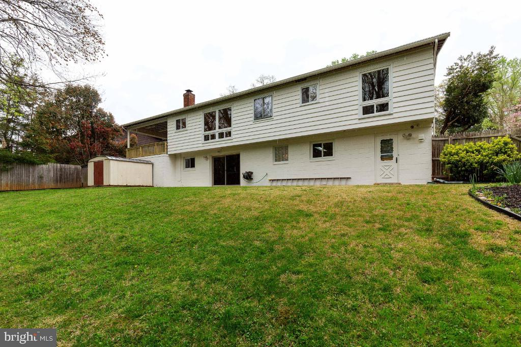 Rear elevation view - 5041 KING RICHARD DR, ANNANDALE