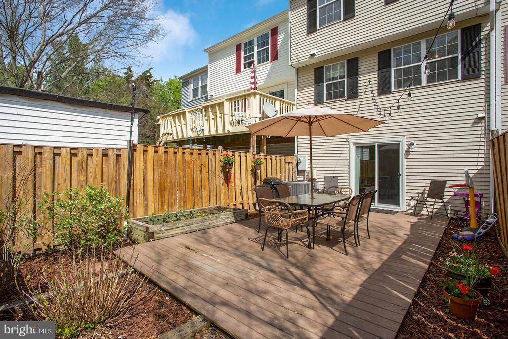 - 81 SOUTHALL CT, STERLING