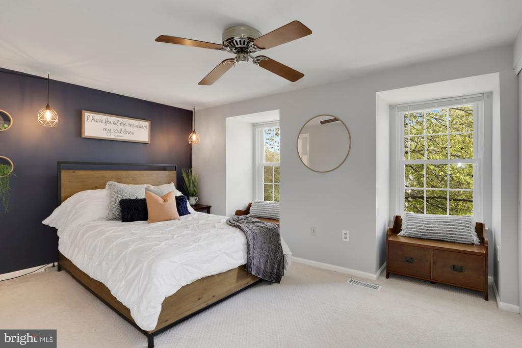 Gorgeous Primary Bedroom with Newer Windows - 81 SOUTHALL CT, STERLING