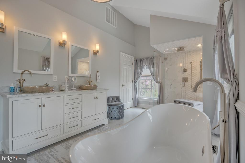 Just one Look and you will Fall in Love! - 12620 CHEWNING LN, FREDERICKSBURG