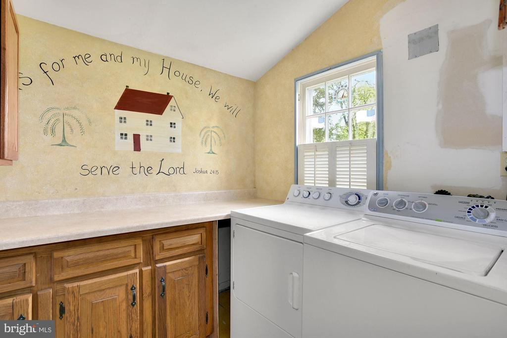 Laundry Room - 415 S MAPLE AVE, PURCELLVILLE