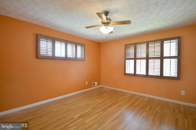 South Unit Bedroom #2 - 5806 FLANDERS ST, SPRINGFIELD
