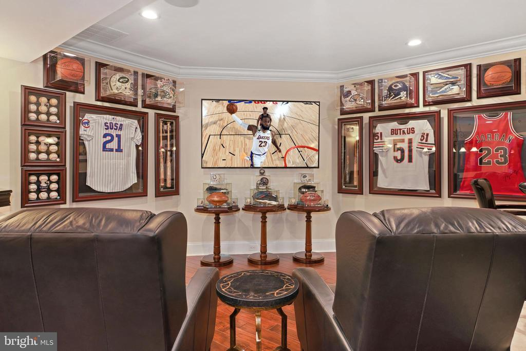 Club Room off the Game Room and Wet Bar - 22608 CREIGHTON FARMS DR, LEESBURG