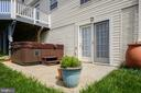 Lower Level Patio with Hot tub - 39 HOUSER DR, LOVETTSVILLE