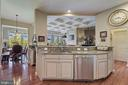 Double island Kitchen opens to Family Room - 18362 FAIRWAY OAKS SQ, LEESBURG