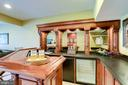 Built in beverage refrigerator in bar - 18359 EAGLE POINT SQ, LEESBURG