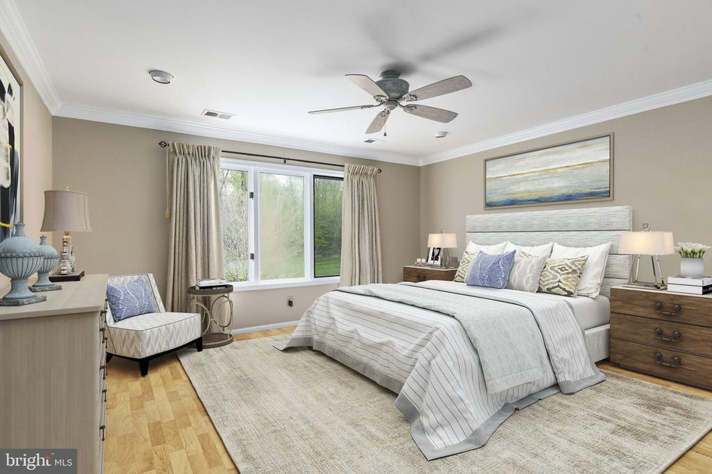Third Bedroom with Ceiling Fan - 2405 OAKMONT CT, OAKTON