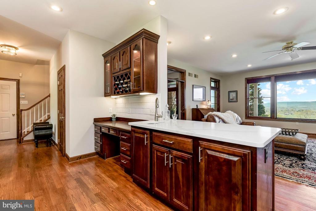 Prep Sink | Planning Station | Back Staircase - 8329 MYERSVILLE RD, MIDDLETOWN