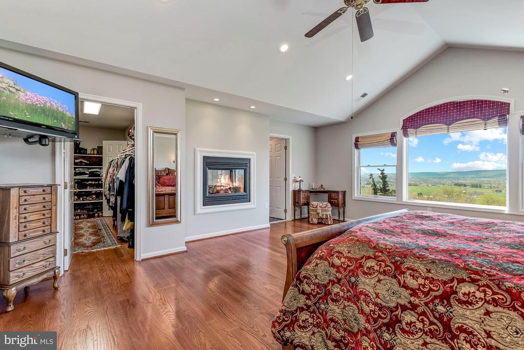 Walk-In Closet | Fireplace | Cathedral Ceilings - 8329 MYERSVILLE RD, MIDDLETOWN