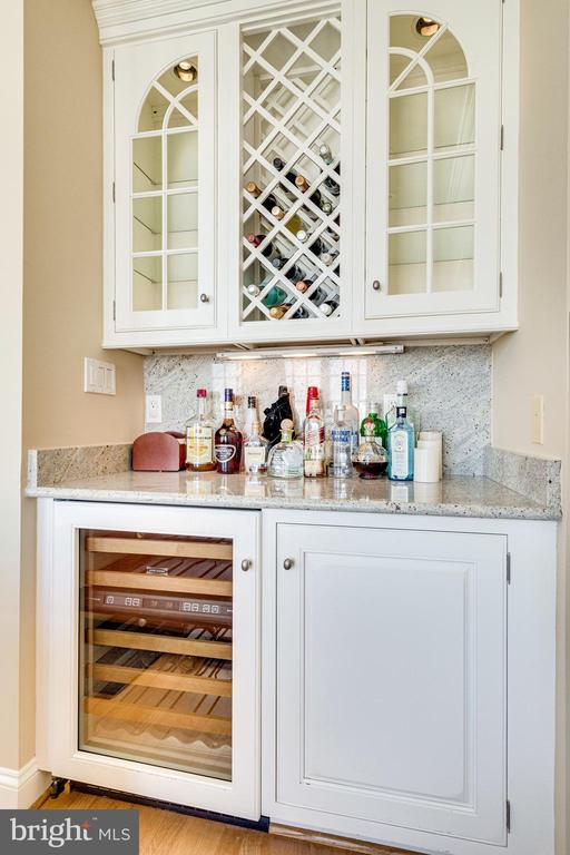 Wine refrigerator in Living room - 1315 14TH ST N, ARLINGTON