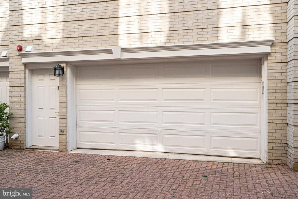 2 Car garage with side entrance - 1315 14TH ST N, ARLINGTON